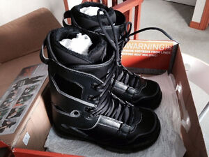 Thirty Two Boots Size 10 (Brand New)