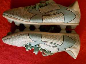 Under armour size 3 soccer cleats