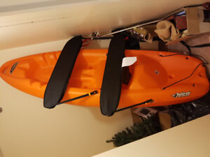Kayak pelican with roof top and paddles NEED GONE ASAP