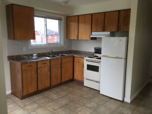 3 BEDROOM APARTMENT – West Brant – Available Sept. 1