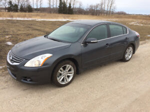 2011 Nissan Altima 3.5 SR Sedan