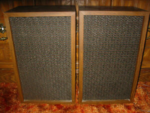 VINTAGE STEREO SPEAKERS LIKE NEW EATONS VIKING MADE IN CANADA
