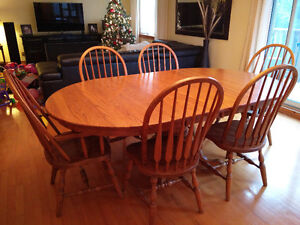 Solid Oak Dining Table and 6 chairs Gatineau Ottawa / Gatineau Area image 1