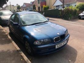 2001 BMW 320 2.2i SE, PETROL, MANUAL ***SPARES OR REPAIRS***STARTS & DRIVES