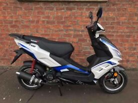 Lexmoto Fmr 125 cc Moped