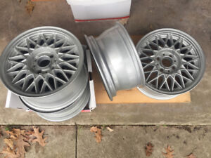 BMW BBS set of 4 like new Alloy Rims from 1989 325is