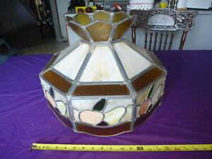 LARGE ANTIQUE STAINED GLASS TIFFANY STYLE HANGING LAMP SHADE Kingston Kingston Area image 3