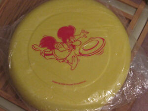 *+*+*+*+*+*+FRISBEE (((ST HUBERT BBQ))) SCELLÉ, SEALED*+*+*+*+*+