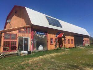 St-Paulin, fermette, grange transformée en atelier