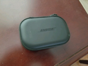 Bose Wireless Headphone Charging Case