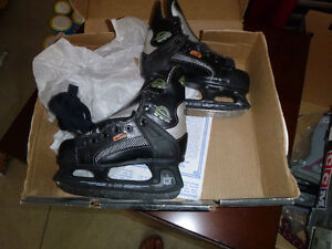 hockey skates youth 10 brand new