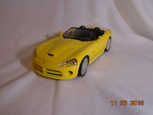 NEW LOWER PRICE 2001 Dodge Viper Diecast London Ontario image 1