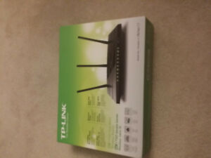 TP-LINK 1750 Duel Band Router in box