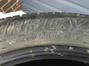 Uniroyal Laredo Cross Country 245/50R20