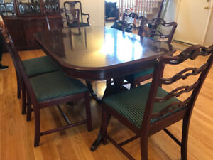 Dining Room Set with Rare Bubble Glass Hutch