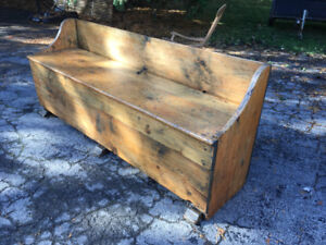 Early Quebec pine, bench bed - Banc-Lit