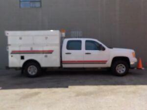 2007 GMC CREW-CAB WITH SERVICE-BOX