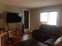 2 bed+den 2bath Condo for rent in Airdrie