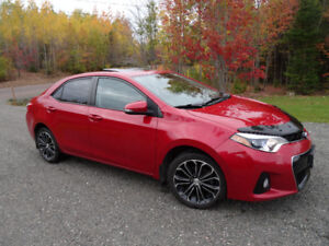 Toyota Corolla S 2014 / Leather / Summer+Winter Tires / Only 67K