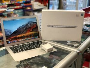 Macbook Air 2013 Mint Condition **ALMOST NEW BATTERY **