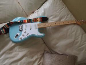 guitare Fender Jay Turser Stratocaster