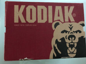KODIAK STEEL TOED SHOES