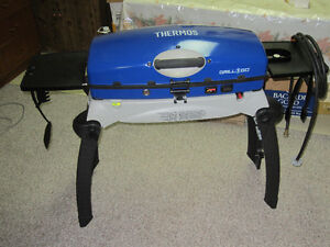 Thermos Portable Barbecue with Stand
