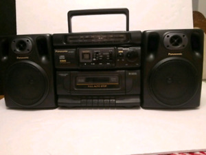 Panasonic Boombox RX-DS515 CD Cassette Radio