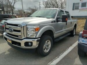 2016 F 250 Super Duty 4 X 4 XLT Mint condition-NEW REDUCED PRICE