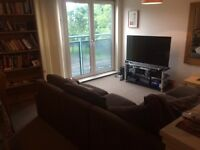 TO LET - 2 Bedroom Flat -- close to city / west end -- 20 min walk to Glasgow Uni