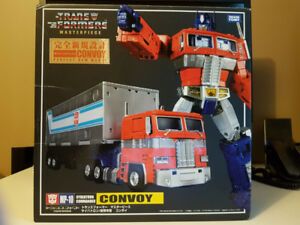 Takara Masterpiece Optimus Prime MP-10