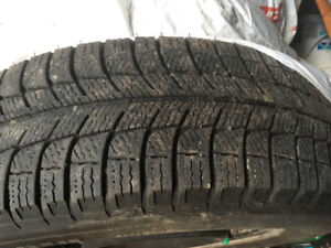4 Pneus hiver michelin x-ice 195/65R15 + rims