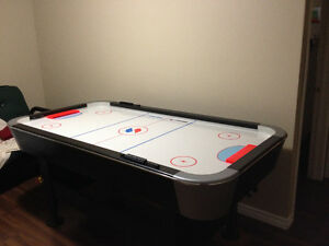 MINT CONDITION SPORTCRAFT TURBO AIR HOCKEY TABLE