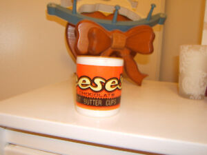 CHILDS MUG REESES PIECES WITH HANDLE Kingston Kingston Area image 3