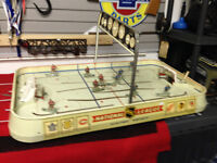 VINTAGE EAGLE TOYS NHL NATIONAL LEAGUE ELECTRIC HOCKEY GAME