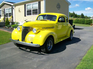 1939 ChevTwo Door Coupe 327 4 Speed Streetrod