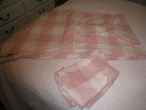 bedspread, queen size, two shams included