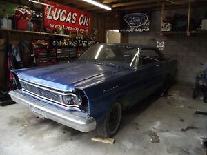 1965 Ford Galaxie 500 partly disassembled