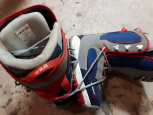D23 Snowboard Boots size 9