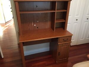 For Sale - Computer Desk in Very Good condition