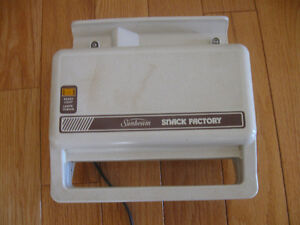 """VINTAGE SUNBEAM """"SNACK FACTORY"""" CHEESE GRILL"""