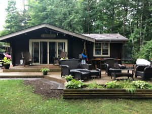 Cozy Lake View Cottage - 3 BR, 1 Bath - Available Nov 1st