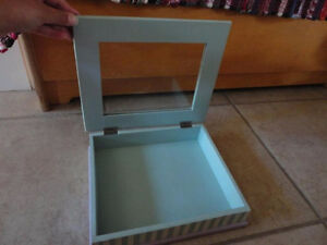 Handpainted wooden keepsake jewelry box with glass panel top