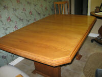 Custom Made Solid Oak Dinning Room Table & 6 Chairs