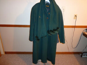 WOMEN WOOL WINTER COAT (garage/moving sale)