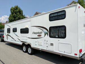 2011 Flagstaff SuperLite 29 BHSS travel trailer