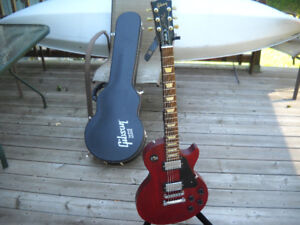 2008 GIBSON LES PAUL  STUDIO    MINT CONDITION  c/w case