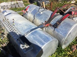 120 gallon Kenworth fuel tanks with steps and brackets
