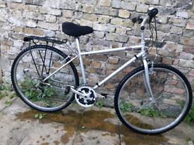 Mens hybrid bike