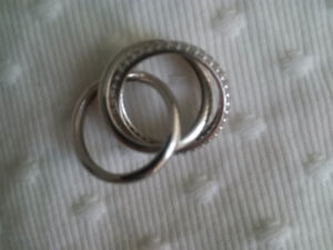 Sterling Silver Diamonelle 3-band rolling ring, Size 7
